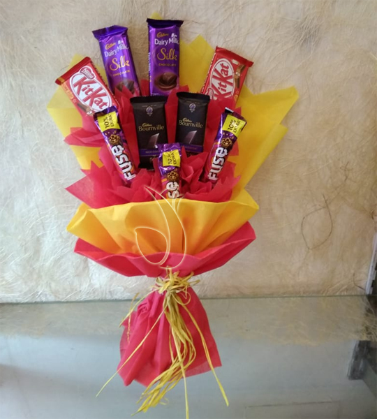 send flower Sadiq Nagar DelhiMix Chocolate Bouquet