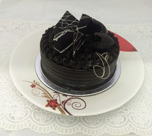send flower Paryavaran Complex DelhiFudge Browine Cake