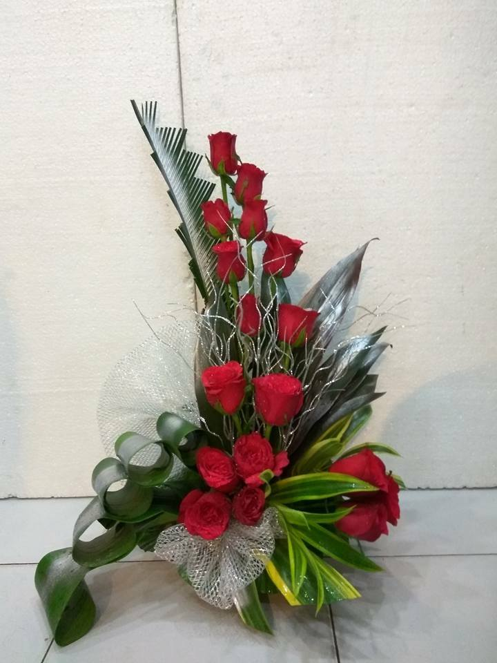 send flower Ashram DelhiOne Siide Red Roses Arrangement