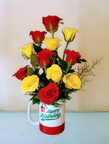 send flower Bhajan Pura DelhiRoses in Coffee Mug (Only For Delhi)