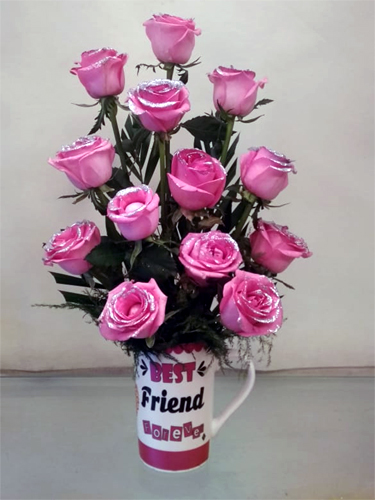 send flower Green ParkRoses in Coffee Mug (Only For Delhi)