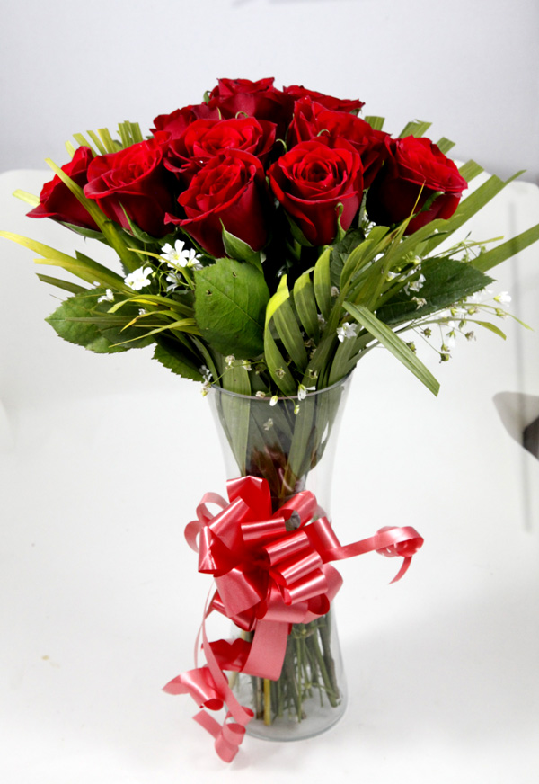 send flower Bhajan Pura DelhiRed Rose In Vase