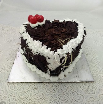 Flowers Delivery in Uniworld City GurgaonHeartshape Black Forest Cake