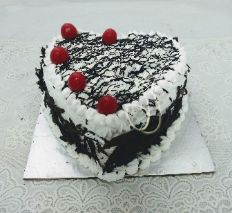 send flower Hazrat Nizamuddin DelhiHeartshape Black Foresty Cake