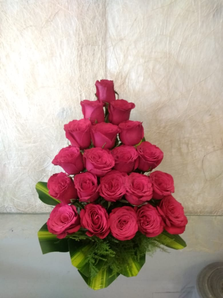 send flower Ashram Delhi20 Red Roses Arrangement