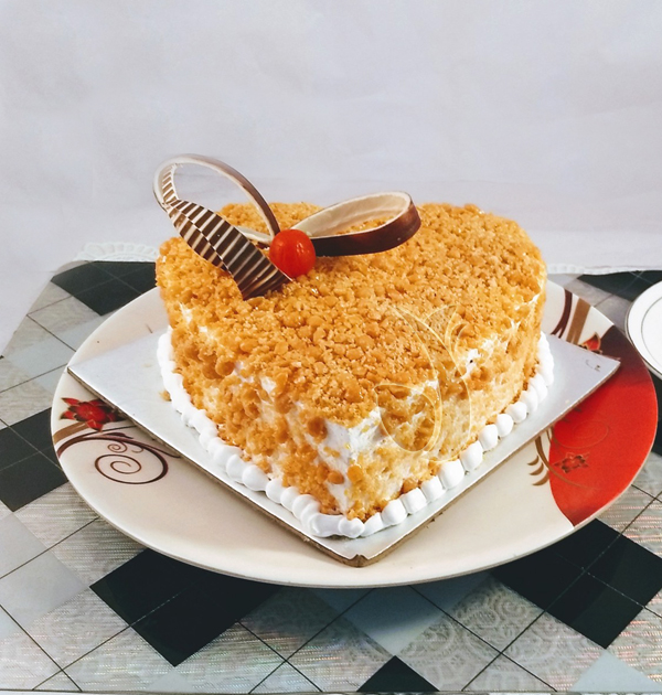 Butter Scotch Heartshape Cake