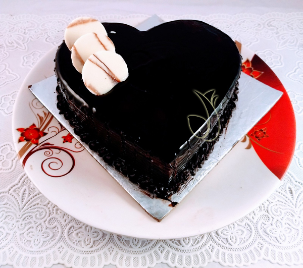 Heartshape Dark Chocolate Cake