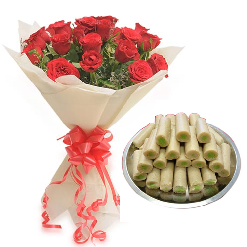 send flower Jagatpuri DelhiRose Bunch & Kaju Roll Sweet