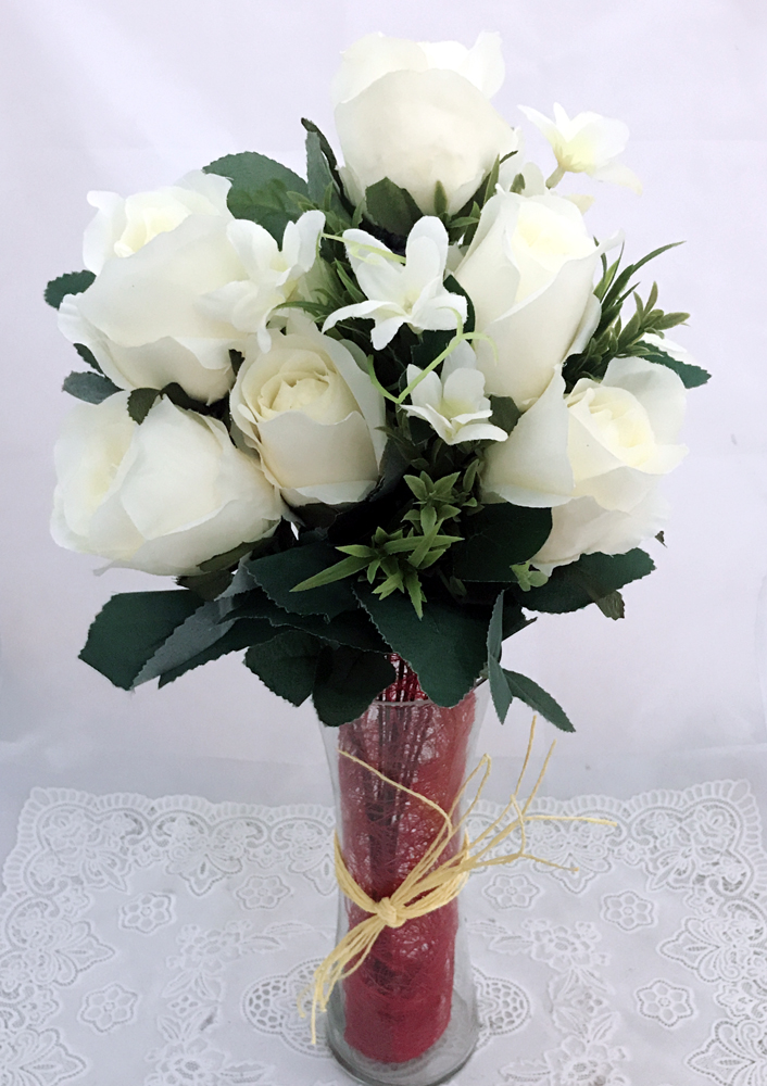 send flower Pushp Vihar Delhi7 Artificial White Silk Big Roses in a Glass Vase (Only For Delhi)