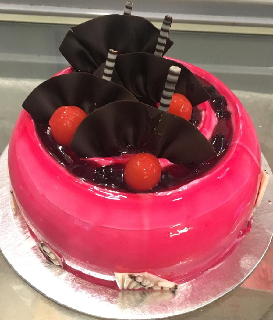 Cake Delivery in Unitech Gurgaon1Kg Strawberry Cake
