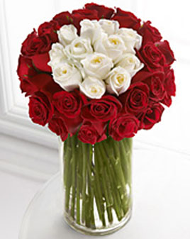 send flower Bhajan Pura DelhiAmorous Red