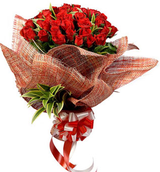 send flower Ashram DelhiShiny Red