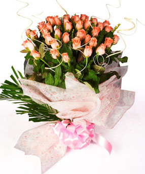 send flower Bhajan Pura DelhiPerfect Peach