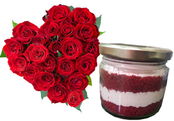 Roses Heart with cheese cream cake in Jar.