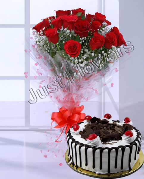 10 Red Roses & 1/2 kg Black Forest Cake